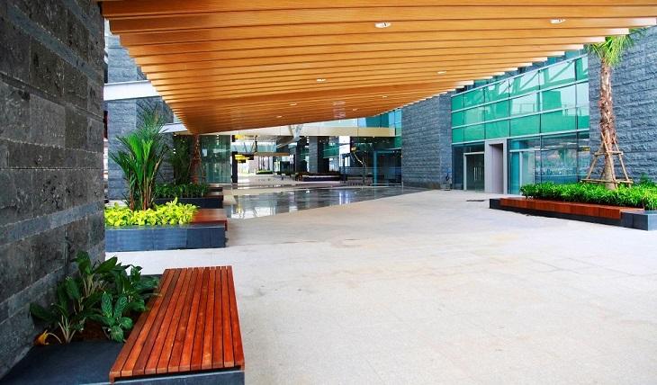Phần mái che khu vực sảnh bên ngoài nhà ga sân bay